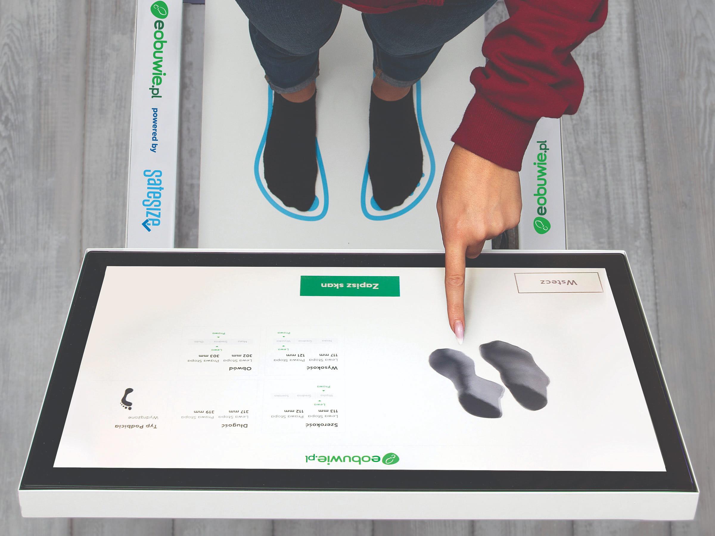 Stanowisko służące do wykonania modelu 3D stóp i dobrania idealnego rozmiaru w sklepie Eobuwie.pl